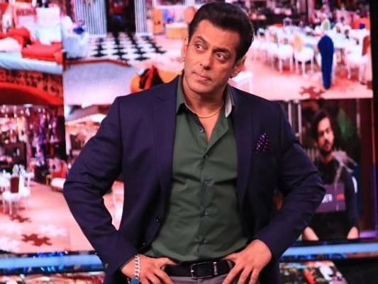 'Bigg Boss 13' : Salman Khan Praises Asim Riaz For His Honesty
