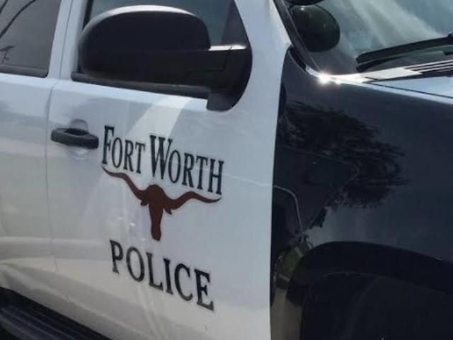 Motorist killed after car slammed into stalled semi-truck on Fort Worth highway