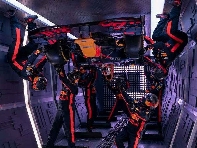 Red Bull Racing Got Bored, So They Performed A Zero Gravity Pit Stop