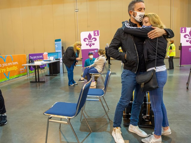 While the Senate reads the coronavirus relief bill, nearly 1,400 Americans may die from the virus