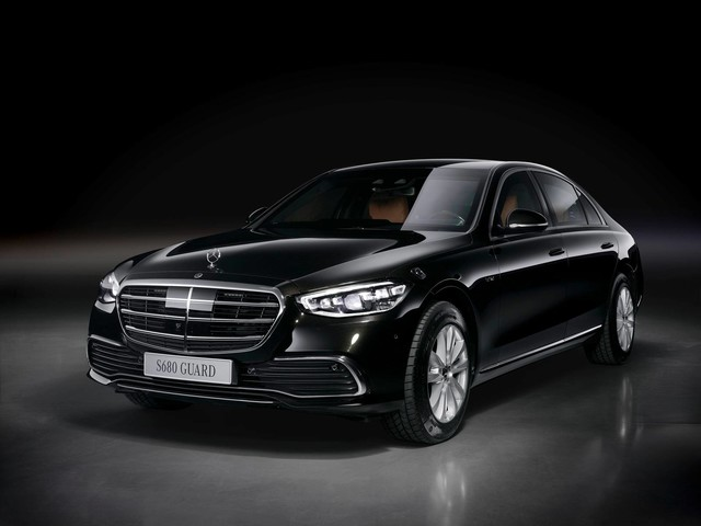 Mercedes-Benz S 680 Guard 4MATIC – An Armored Car That Can Withstand Even Kalashnikov and Dragunov Sniper Rifle Shots!