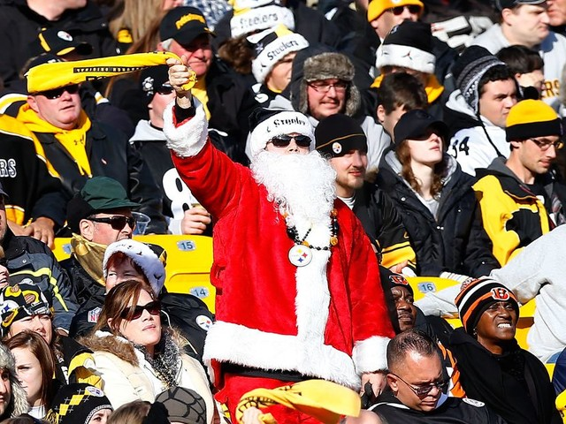 4 reasons to watch a very NFL Christmas