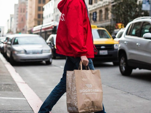 The ultimate guide to making good money as a DoorDash driver: A veteran dasher reveals the best days to work, what orders to avoid, and other tips for success