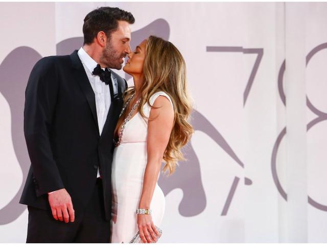 Jennifer Lopez, Ben Affleck Make Red Carpet Debut in Venice for 'The Last Duel'