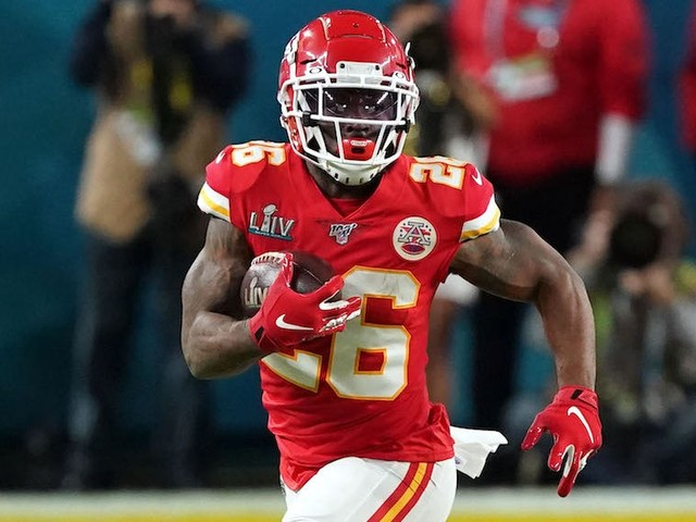 Chiefs Super Bowl hero Damien Williams paused his celebration to exchange jerseys with 49ers standout RB Raheem Mostert