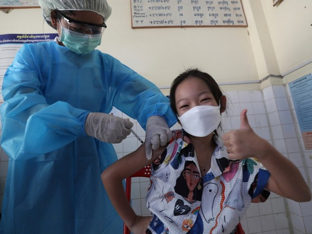 Cambodia vaccinating 6-to-11-year-olds before schools reopen