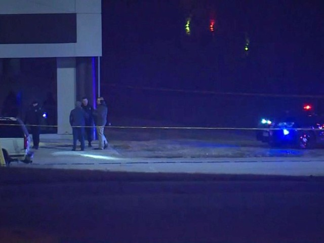 At least 2 dead, 15 injured in Kansas City shooting