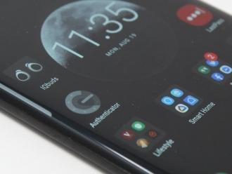 Curved Phone Displays Make No Sense
