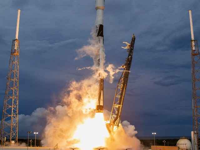 The government's plan to update rocket launch licensing is pissing off the commercial space industry