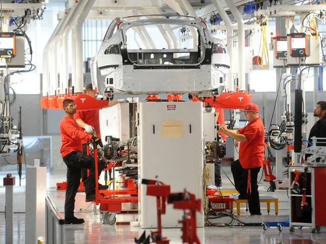 Leaked Tesla memo reveals what the company is doing about worker safety as coronavirus spreads