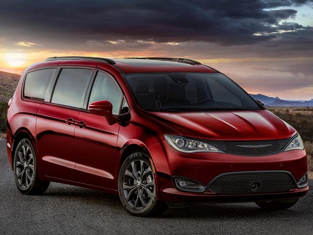 Unifor Official: Expect an All-Wheel Drive Chrysler Pacifica