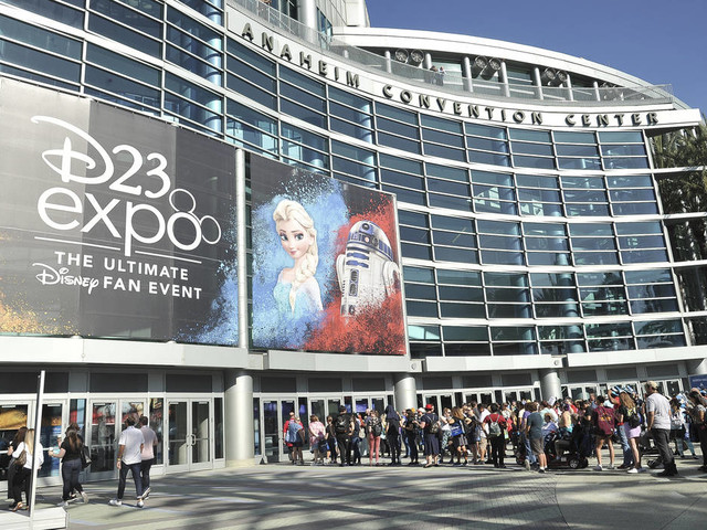 Disney teases 'Star Wars,' 'Frozen 2,' at convention