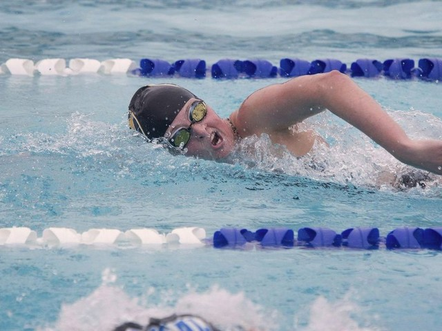 Los Alamitos girls' swimming tops defending league champion Fountain Valley