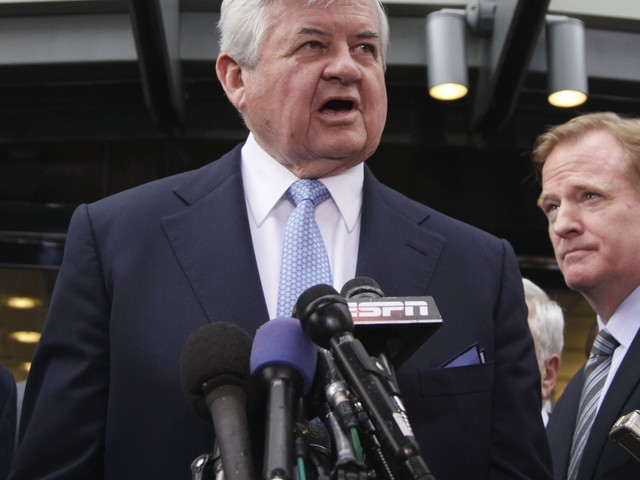Panthers conducting internal investigation into workplace conduct of owner Jerry Richardson