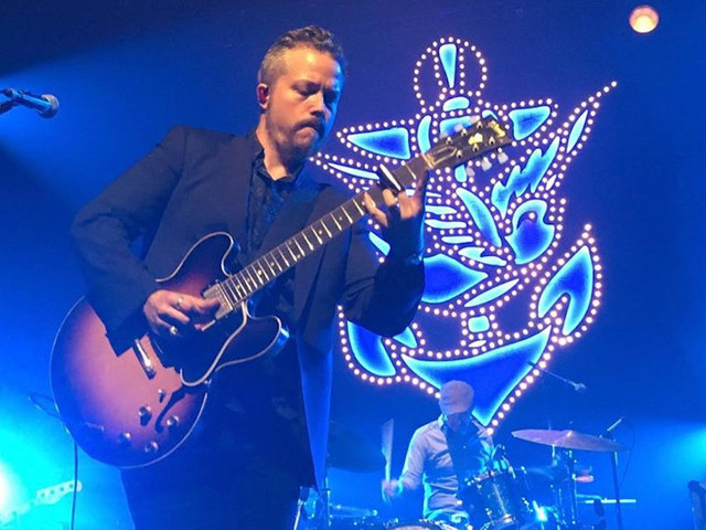 Jason Isbell & The 400 Unit Covers 'Helplessly Hoping' At The Ryman