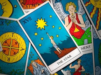 What Does The Star Tarot Card Mean & Why Is It Ruled By The Aquarius Zodiac Sign