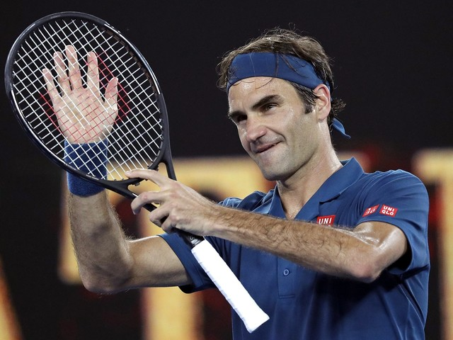 Roger Federer marks his 100th match at Rod Laver Arena with 3-set win