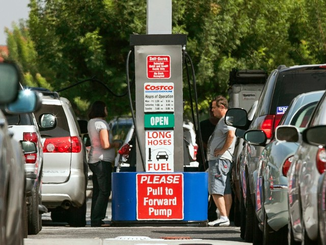 The 7 best credit cards for getting maximum points or cash back on your gas purchases