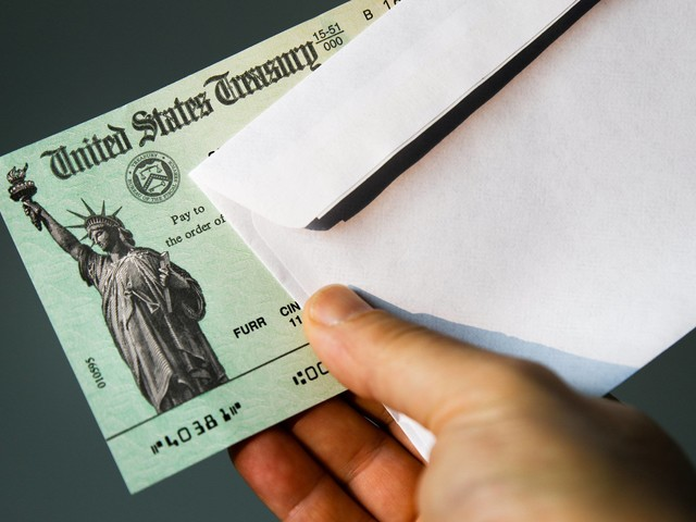 Special $1,000 stimulus checks are being sent to certain people – see if you qualify