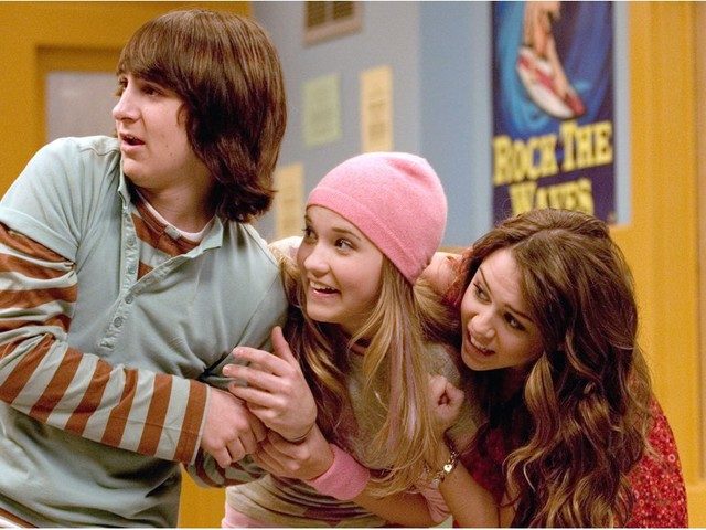 The Cast of Hannah Montana Just Had a Nostalgic Reunion - Minus 1 Important Face