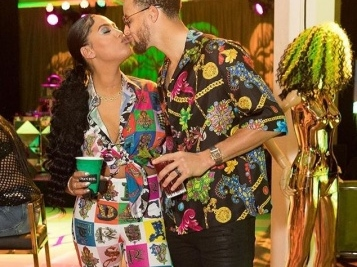 GET IT! Ayesha Curry Grinds Up On Hubby Steph Curry At Her Surprise 30th B'Day Bash [VIDEOS]