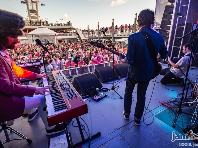 ALO Performs 'Falling Dominoes' Aboard Jam Cruise 17