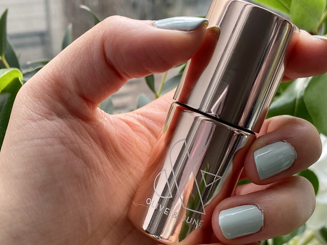 This $10 Nail Primer Made My Lazy-Girl Manicure LAST