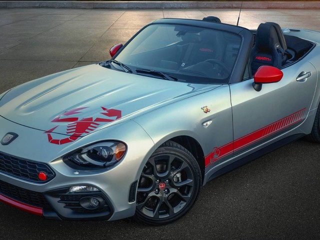 2020 Fiat 124 Spider Updated With Scorpion Decals And… That's About It