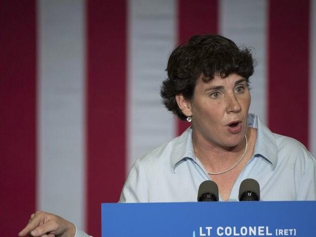 Rolling in Cash, Democrats Lavish on Key Races