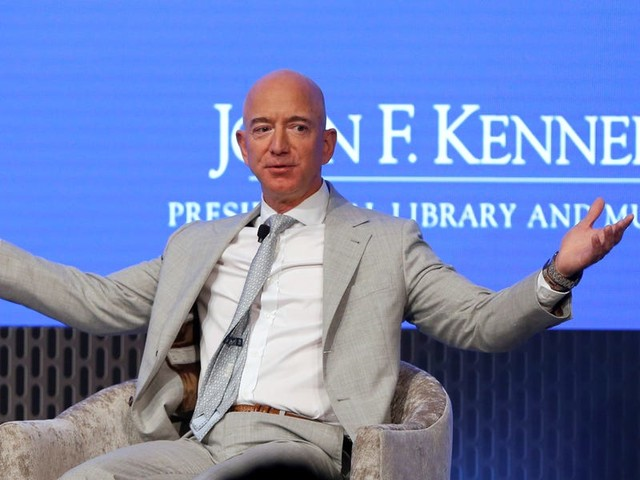 Jeff Bezos just sold $1.8 billion in Amazon stock. Here's how the CEO makes and spends his billions.