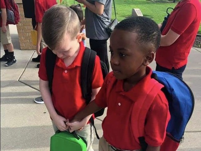 Crying Boy Gained a Friend in His First Day of School