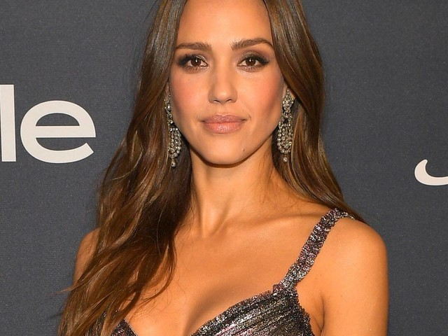 """Jessica Alba Reveals Why Her Kids Think She's the """"Most Cringey Mom"""""""