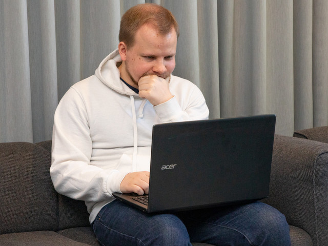 Are Cheap Laptops Good Enough? My Month with a Sub-$500 PC