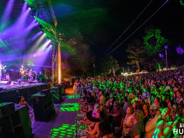 Umphrey's McGee Dusts Off Toto Cover At Hulaween