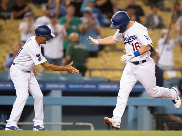 Dodgers get homers from Will Smith, Chris Taylor to build a win