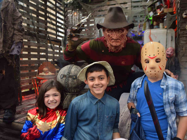 Lights to Frights: Halloween decorator turns Dyker Heights into awesome haunted amusement park