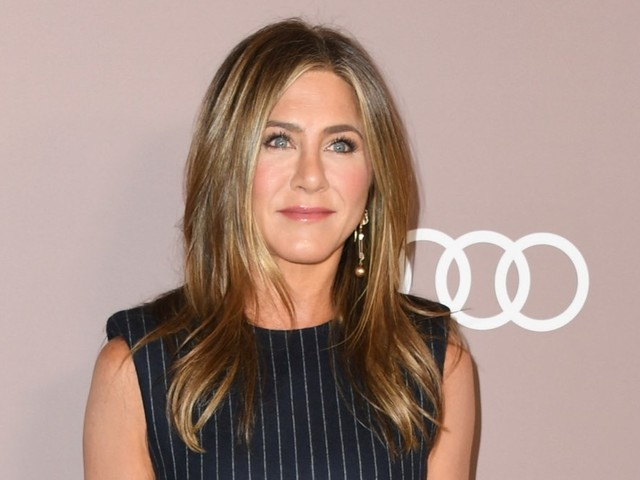 Jennifer Aniston Breaks the Internet By Joining Instagram, Eva Mendes Went to Supercuts, Brie Larson and More: ENDNOTES