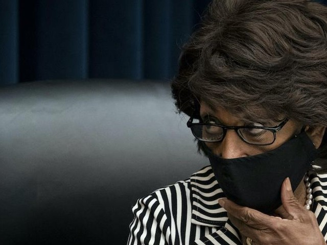 Maxine Waters claims judge in Chauvin trial said her 'words don't matter' just minutes after the judge specifically said her comments could cause the trial to be overturned
