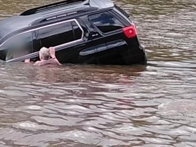 Witnesses: Good Samaritans rescue woman who drove SUV into Schuylkill River