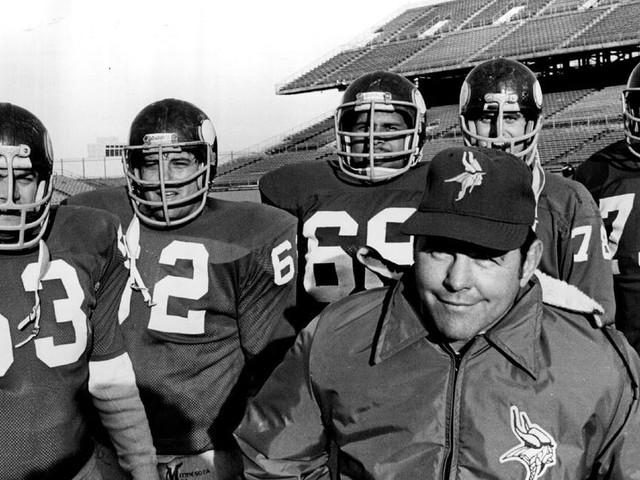 John Michels, a Vikings assistant for 27 seasons, dies at 87