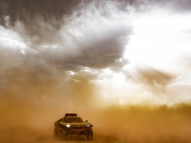 Heat & Sandstorms: Morocco Test for The Audi RS Q e-tron