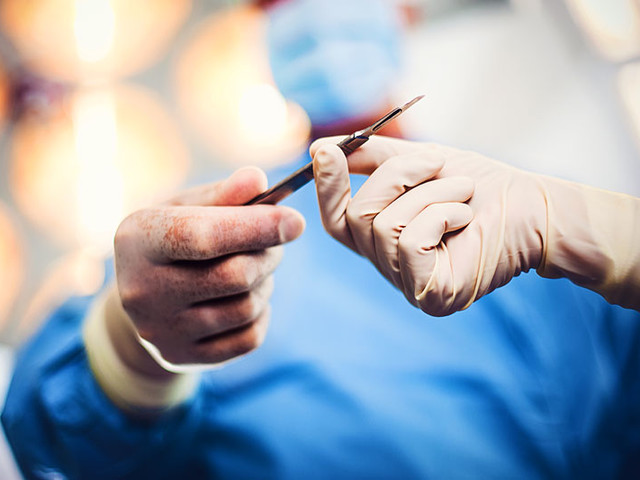 Choosing a Plastic Surgeon? Here Are the Top 5 Things You Need to Know