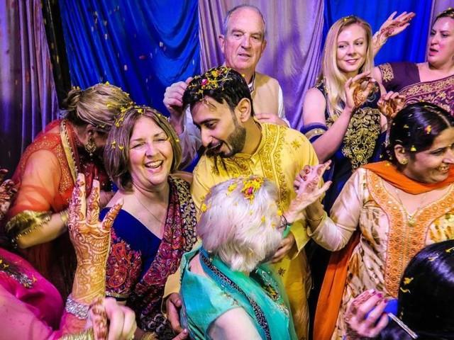 Why travelers are crashing Indian weddings
