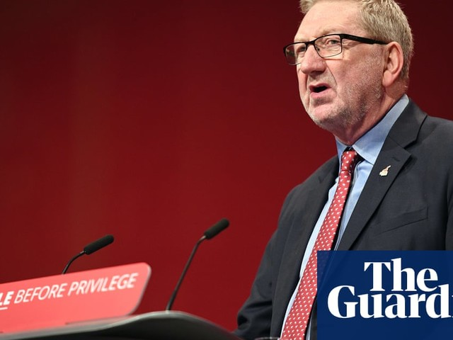 McCluskey tells Corbyn to defy calls to extend freedom of movement