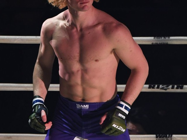 Karl Albrektsson plans to knock out Phil Davis in Bellator debut