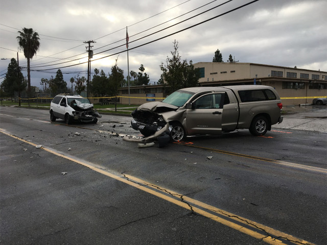 Wrong-way van driver killed in head-on collision with pickup truck in Santa Ana