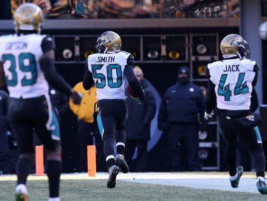 Jacksonville Jaguars LB Telvin Smith fined for taunting Le'Veon Bell