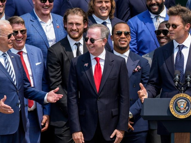 Tom Brady cracks joke about election denial at White House ceremony honoring Super Bowl champs