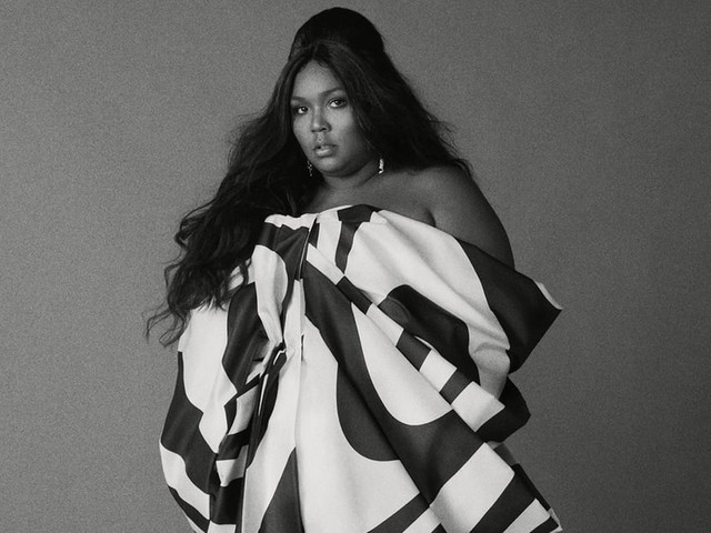 """How Lizzo Uses Her Anxiety to Fuel Herself as an Artist: """"I Just Go Harder and Harder"""""""