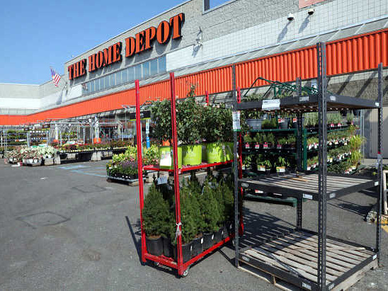 Customer claims new garden center makes Mill Basin Home Depot inaccessible to seniors